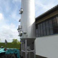 Reaktorbehälter mit Düseneinsatz